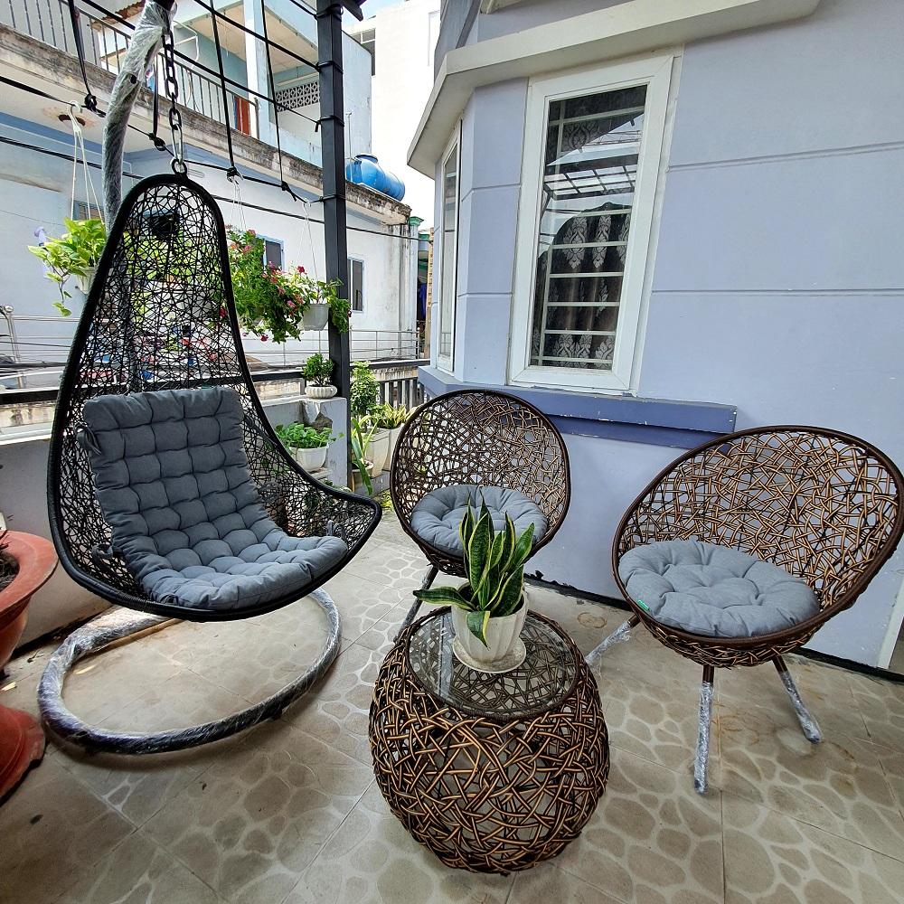 Bộ bàn ghế sân vườn + xích đu