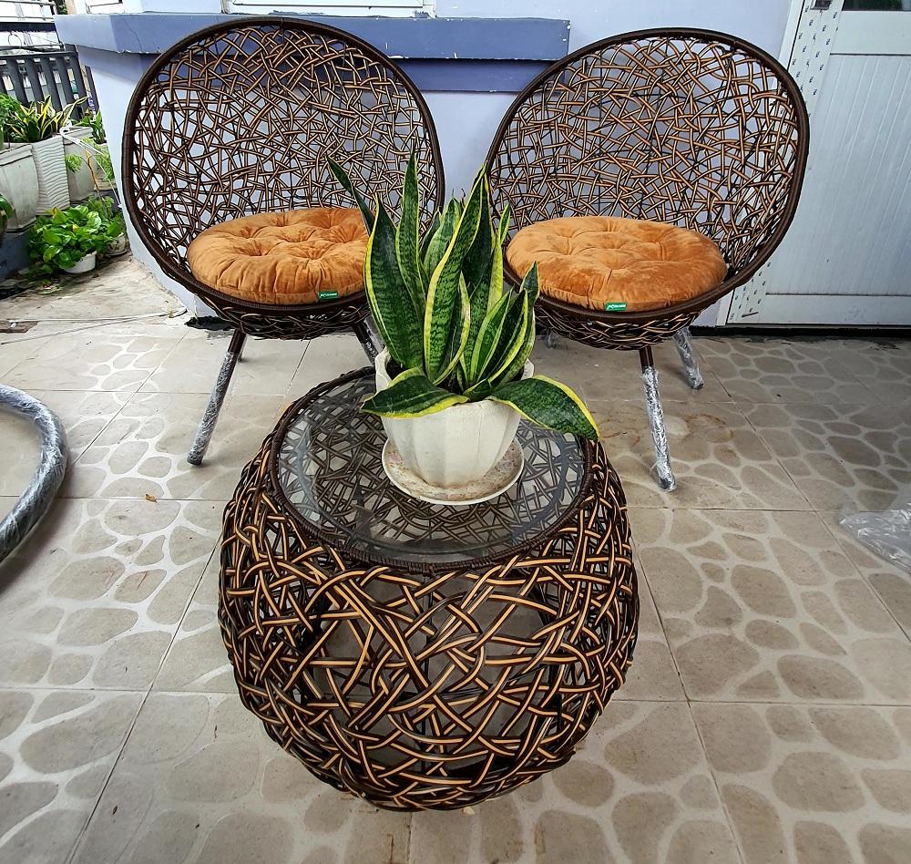 Bộ bàn ghế sân vườn ( nâu + nệm tuỳ chọn)